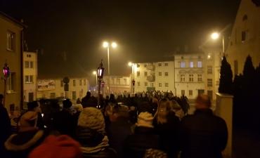 Droga Krzyżowa Ulicami Głogówka 2018_1