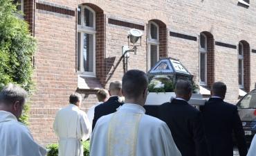 Procesja z relikwiami  św. Kandydy