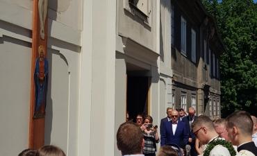 Procesja z domu neoprezbitera i poświęcenia Krzyża przy kościele św Mikołaja_1