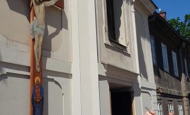 Procesja z domu neoprezbitera i poświęcenia Krzyża przy kościele św Mikołaja_6